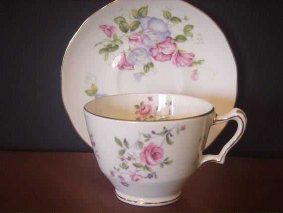 Yksi kommentti Staffordshiren Keramiikka tunnistus käyttäminen Backstamps nimi keramiikka valmistaja.