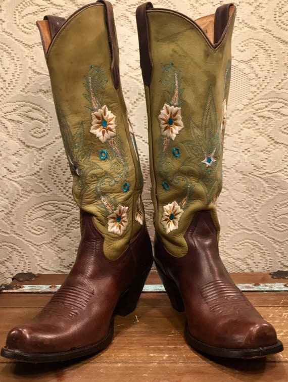 Brown and moss green Embroidered Cowgirl Boots size 9M