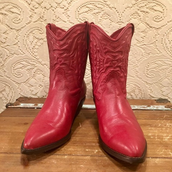 Red Hot Cowgirl zodiac Booties size 10M