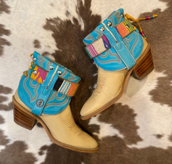 Handcrafted Ivory and Turquoise Leather boho ankle Acme cowgirl booties size 7 1/2 B