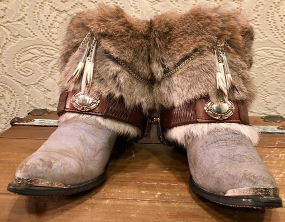 GOT Beautiful Fur and Belt Cowgirl Booties Zodiac size 7 1/2M