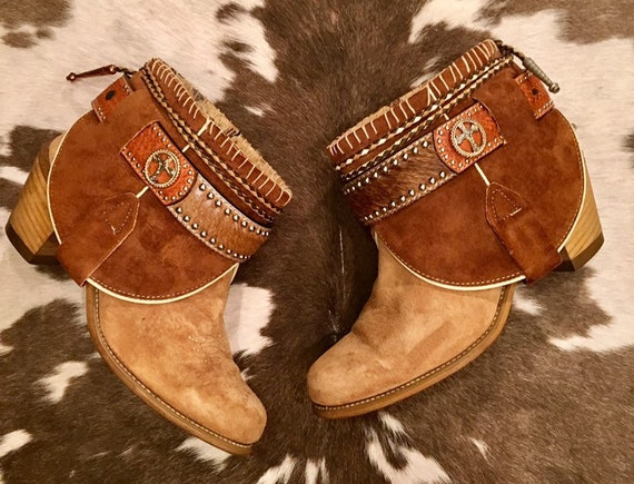 Tan Suede and Cowhide Acme Cowgirl Booties size 8 M