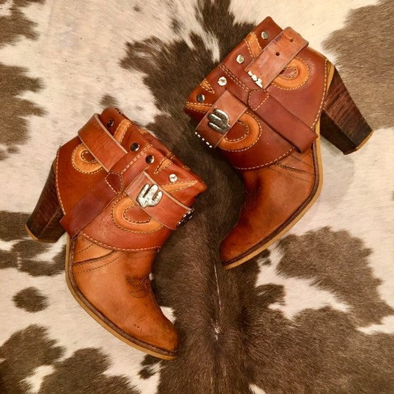 Tan leather Southwestern Cowgirl Booties size 7 1/2M
