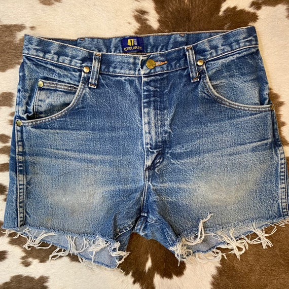 """Perfectly Faded Vintage Wrangler Blue Jean Denim Cut Off Shorts 32"""""""
