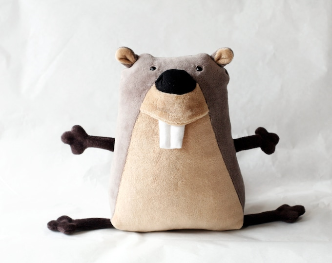 Muma Beaver Plush, Funny Little Soft Toy, stuffed animal, Pocket Plush Beaver