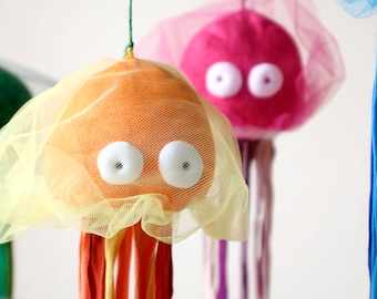 Jellyfish Stuffed Toy, Soft Medusa Plush, Sea Jelly Plushie, Colorful Ocean Creature