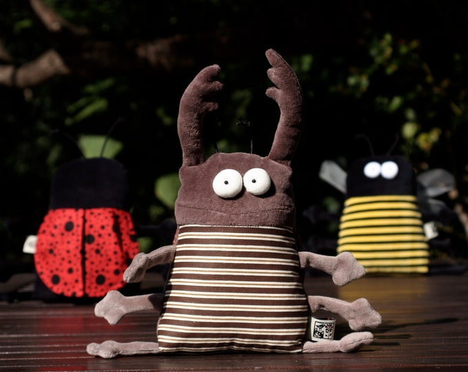 Muma Stag Beetle Plushie, Little Pocket Stag Bug Stuffie Toy, Funny Insect Pocket Plush