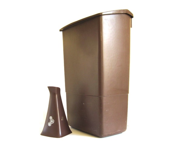 Rubbermaid Trash Can or Brush Holder, 1970s 1980s Kitchen, Brown Plastic