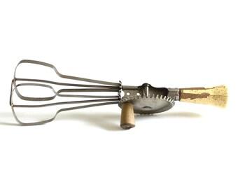 Ekco Egg Beater Hand Crank Mixer, Kitchen Utensil, Wood Handle (As-Is)