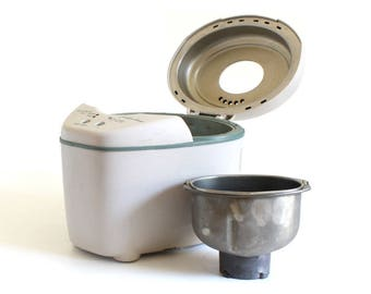 West Bend Just For Dinner Bread Machine, Small Loaf for 2, Model 41077 Electric Bread Maker (used)
