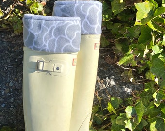 SLUGS Fleece Rain Boot Liners Gray Floral Cuff,  Spring Summer Gardening Style, Mothers Day Gift, Gift For Her, Cozy Tall Socks