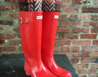 SLUGS Fleece Rain Boot Liners Brown with Red & Tan Plaid, Tall Boot Socks, Boot Cuff, Warm Sock, Rainy Day Fashion (Med/Lg 9-11)
