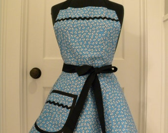 Womens Apron-Tiny Blue Floral-Full Sweetheart Apron