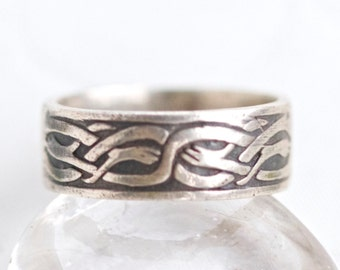 Celtic Wedding Ring Band   Sterling Silver   Dark Silver Band   Menu0027s Ring  Size 9
