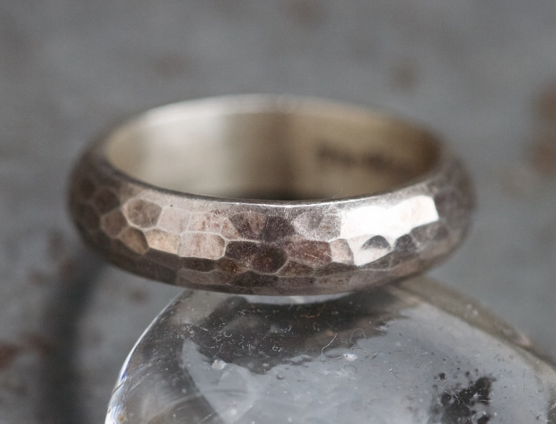 Men's Wedding Band Ring - Sterling Silver Hammered Band - Ring Size 10 -  Vintage Oxidized Jewelry