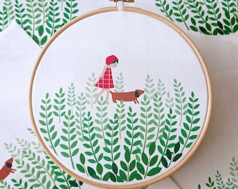 Pre-printed embroidery fabric with PDF Tutorial. (Vorbedruckte Stickvorlage aus Stoff). Walking The Dog. Intermediate level.