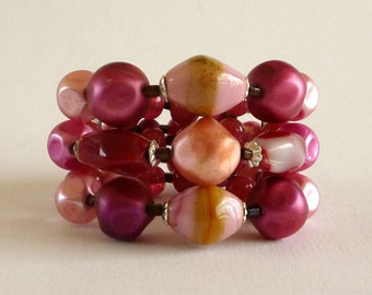 Vintage Red and Pink Glass Bead Memory Wire Bracelet