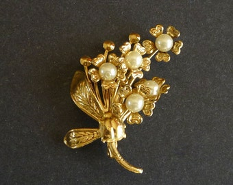 Floral Pearl Pin Brooch