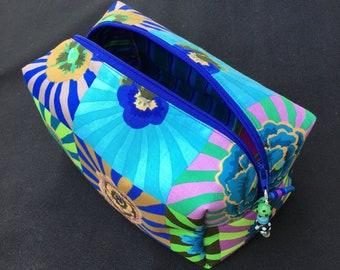 Women's toiletry bag, cosmetic bag, travel bag, make-up bag, utility bag