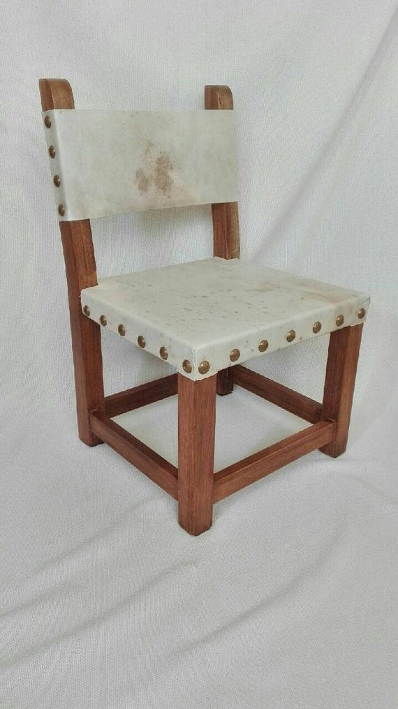 Enjoyable Small Chair In Wood And Raw White Leather Dailytribune Chair Design For Home Dailytribuneorg