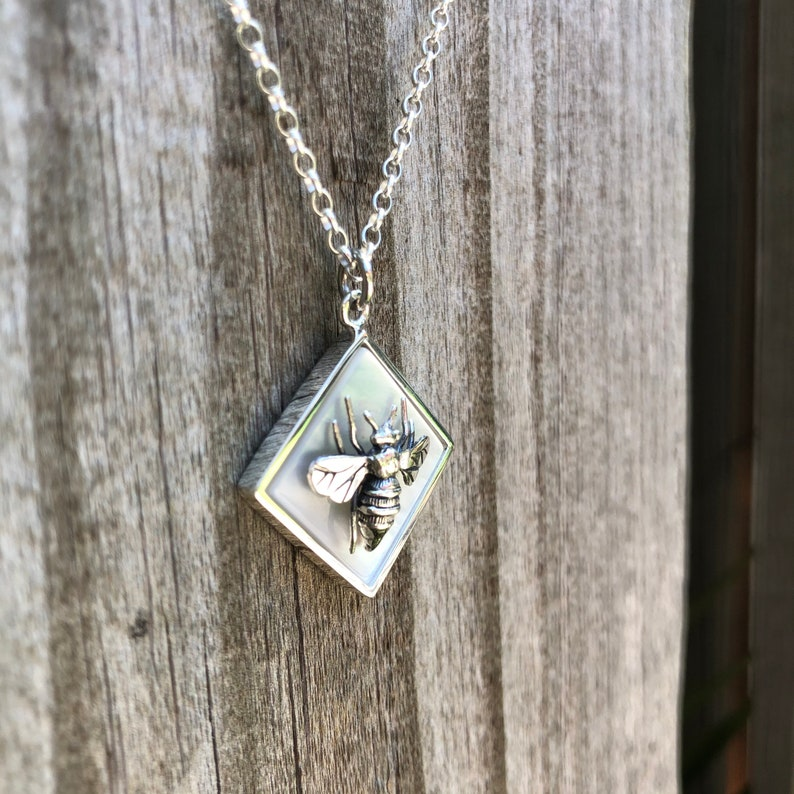 Queen Bee Solid 925 Sterling Silver with Square Mother of Pearl necklace