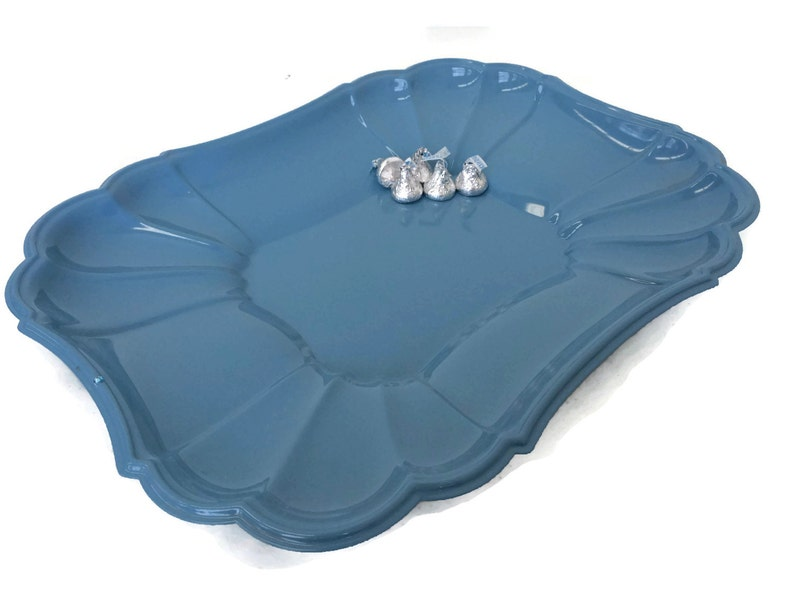 Deep scalloped serving tray in glossy french blue Vintage image 0