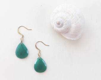 Green Onyx Teardrop Earrings || Green Earrings, Onyx Earrings, Teardrop Earrings, Emerald Earrings, Gemstone Earrings, Lightweight Earrings