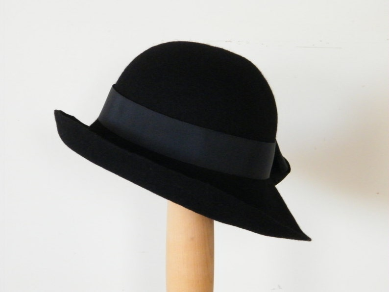 fa31af801 black winter cloche hat / ladies black wool felt hat / Downton Abbey 20s  hat / Miss Fisher hat / ladies wool hat UK