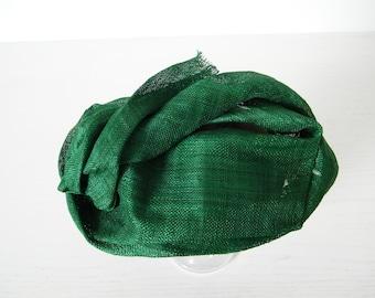 emerald green summer hat for women, greeen occasion hat, stylish mini hat, freeform hat ladies
