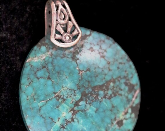 Old Stock Turquoise pendant, silver sunrays bail 56ct