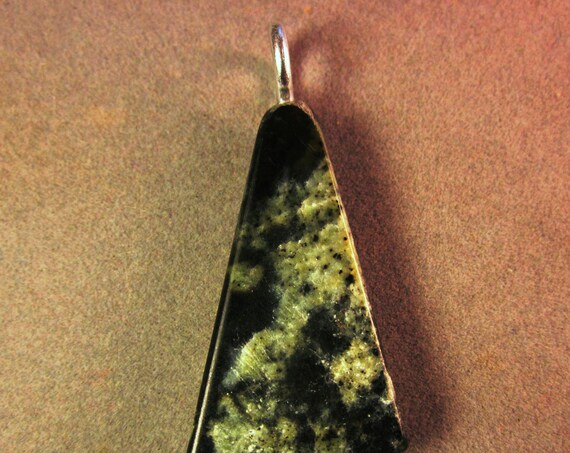 Jade pendant, Chatoyant, Nevada, silver bail 76ct