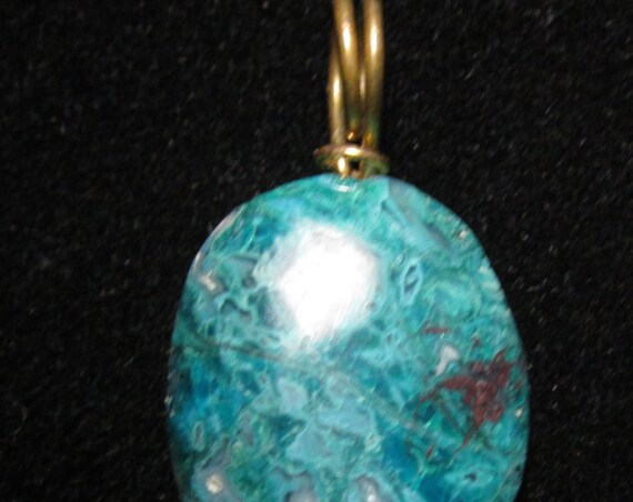 Chryscolla Gemsilica pendant with gold bail 39ct
