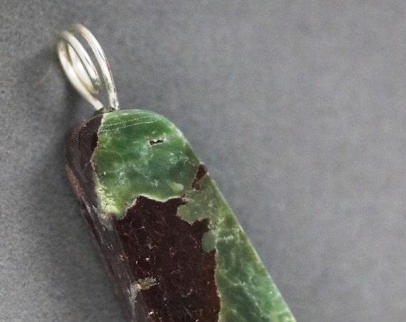 Chrysoprase pendant, green brown, silver twirl bail 81ct