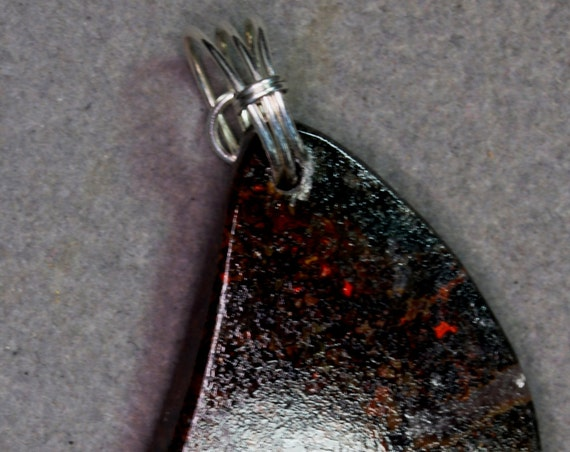 Dinosaur Bone pendant, fossiiized brown, silver twirl bail 89ct
