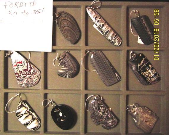 """Fordite pendants, """"Detroit Agate"""", Tray 8, 11 pendants"""