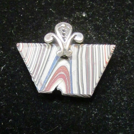 "Fordite pendant, Detroit Agate, gray white black red, ""Flying Away"", pewter bail 6.5ct"