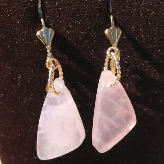 Earrings Rose Quartz, twisted wire, gold lever backs