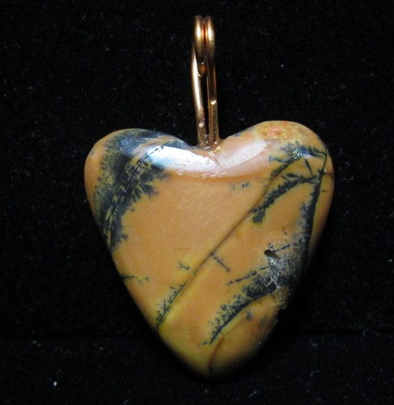 Heart Pendant, yellow feather jasper, golden yellow, black 37ct