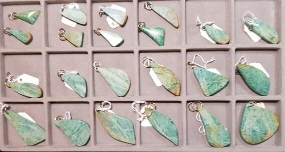 Tichwandite, 24 pendants, green brown, exotic freeform