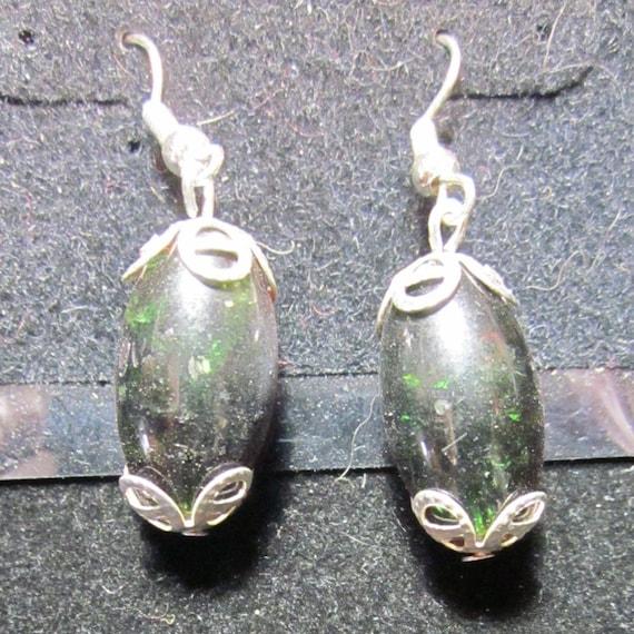 Earrings Jen 2 dark red green sparkles, silver wires