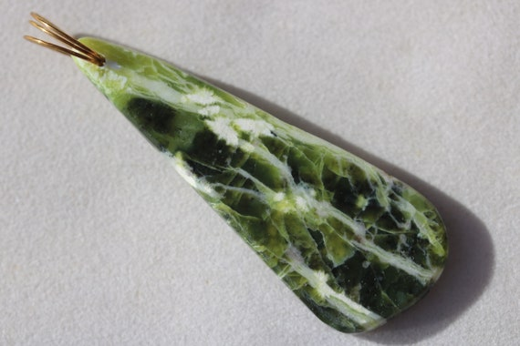 Lizardite pendant, green yellow, Oregon, brass twirl bail 68ct