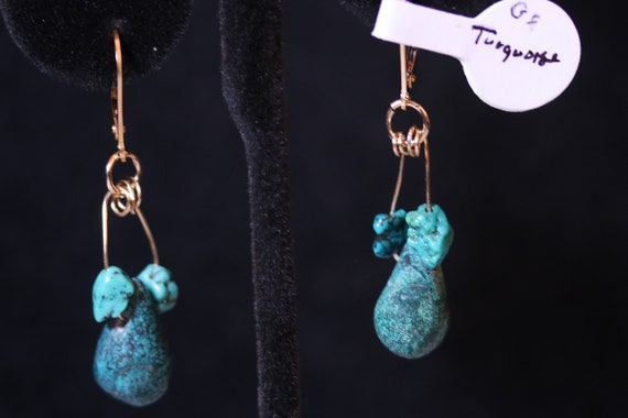 Earrings J, Turquoise Teardrops and nuggets, gold lever backs
