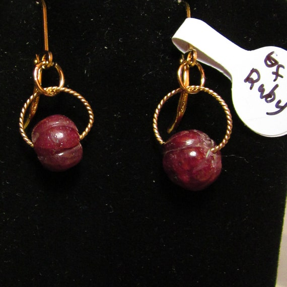 Earrings J, carved Ruby Nuggets, gold lever backs