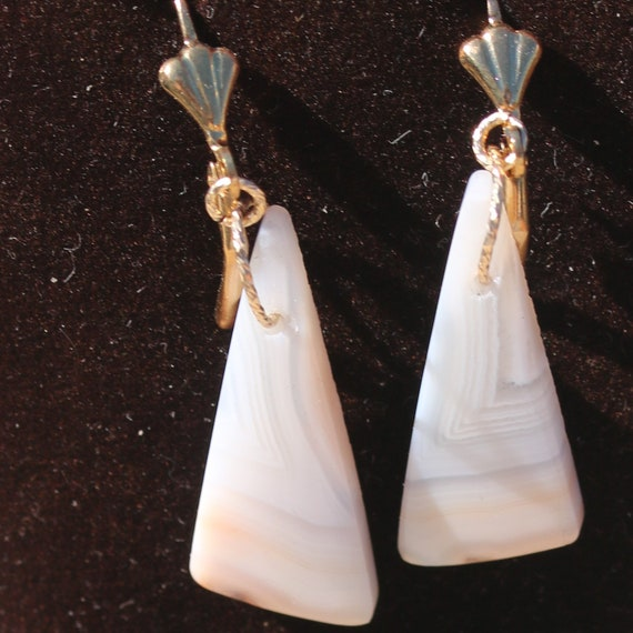 Earrings Pink Agate, gold lever backs