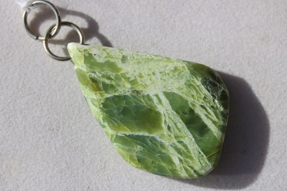 Lizardite pendant, green yellow white, Oregon, nickel jumps bail 78ct
