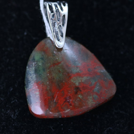Bloodstone pendant, red green black, silver bail 30ct
