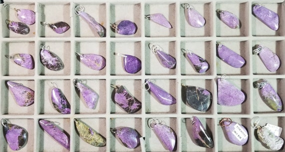 Stichtite, 35 pendants, purple black, free-form