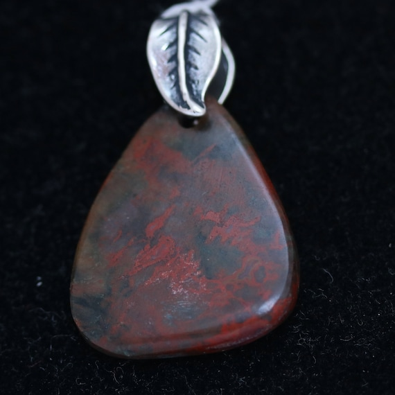 Bloodstone pendant, red black, pewter leaf bail 24ct
