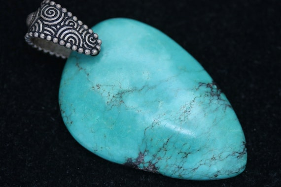Turquoise pendant, pewter bail 59ct