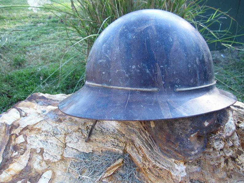 b79a7b9e3a2f8 Bakelite brown pith helmet hat